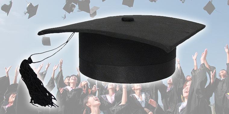cappello da laureato 5cb806f38ee0